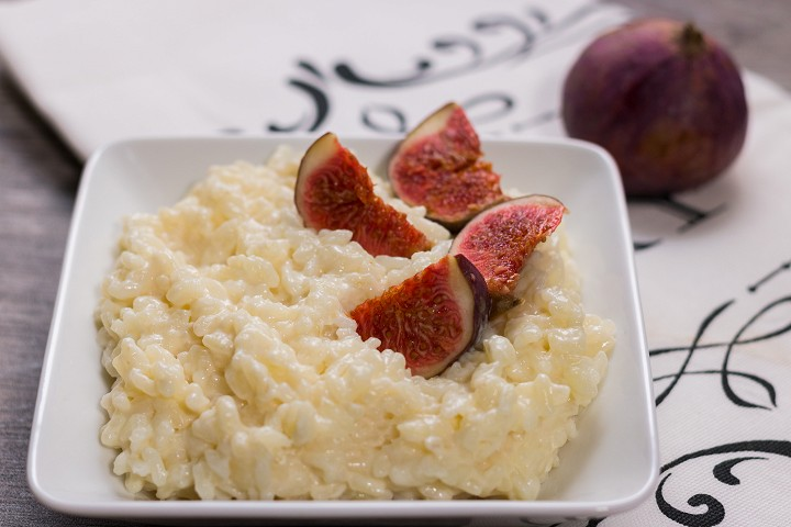 Rice pudding with figs