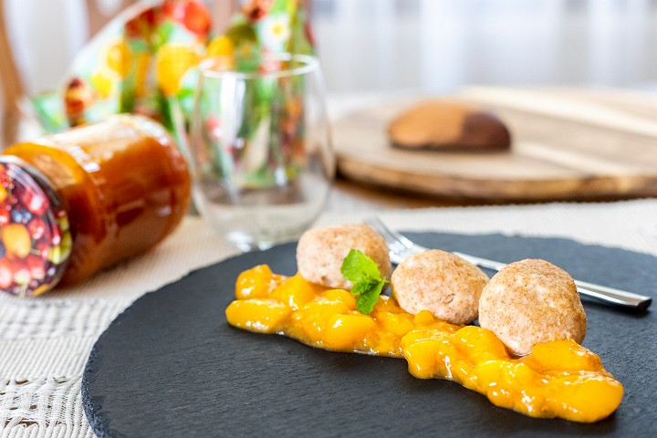 Curd Dumplings with Apricots