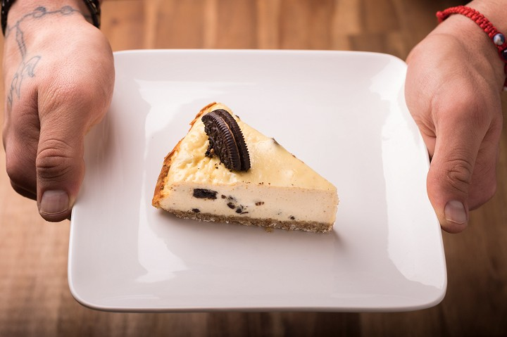 Burákový OREO cheesecake