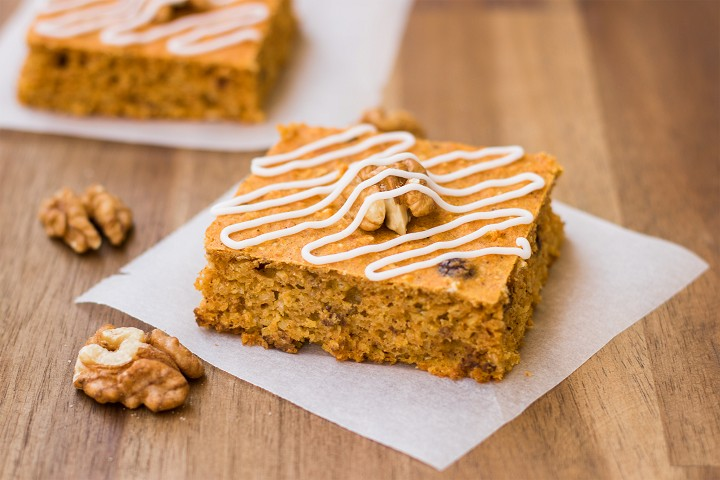 Pumpkin squares with walnuts